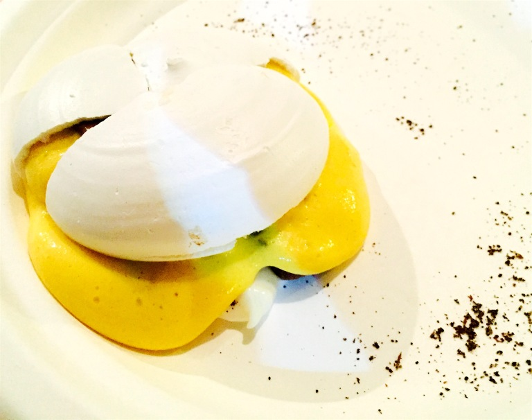 Dessert by Viviana Varese. Photo: courtesy of Alessandro Austa