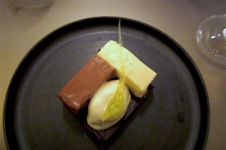 Chocolate Mondrian and Yoji olive oil (by Ivan Simeoli)