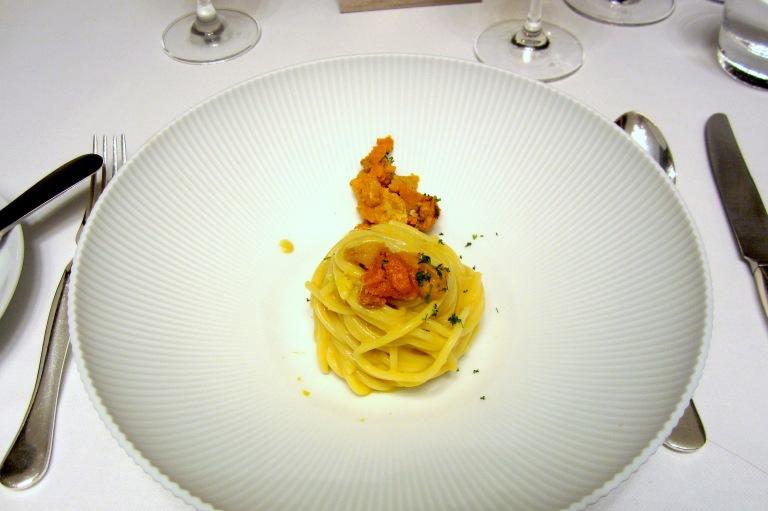 Spaghetti Monograno Felicetti with sea urchin
