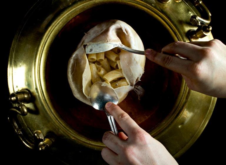 Cacio e peppe cooked in a bladder. Photo: courtesy of Riccardo Camanini